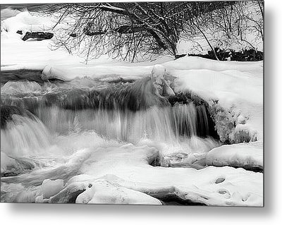 The Frigid Niagara Metal Print by Timothy McIntyre