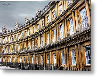 Metal Print featuring the photograph The Royal Crescent, Bath by Wallaroo Images