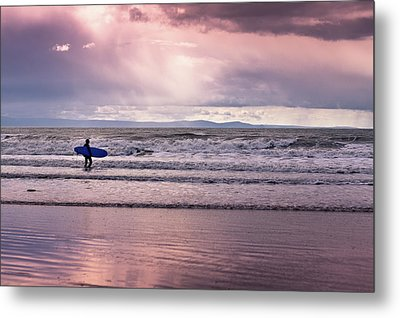 Metal Print featuring the photograph The Surfer by Justin Albrecht