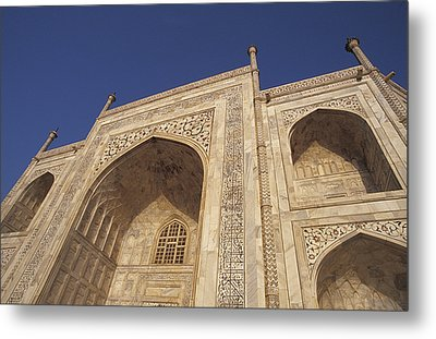 The Taj Mahals Pristine White Marble Metal Print by Jason Edwards