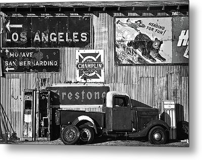 This Way To L.a. Metal Print