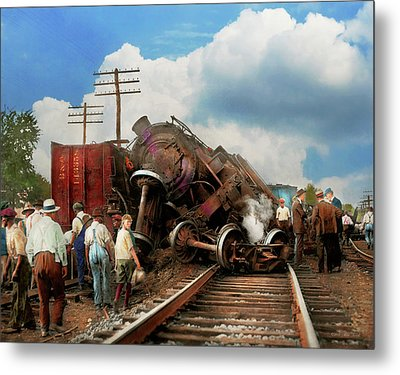 Metal Print featuring the photograph Train - Accident - Butting Heads 1922 by Mike Savad