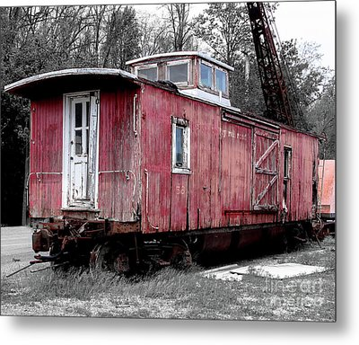 Train In Barn Red  Metal Print by Steven Digman