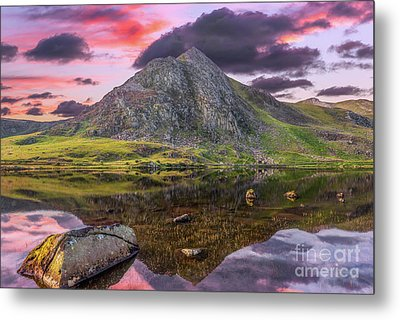Tryfan Mountain Sunset Metal Print by Adrian Evans