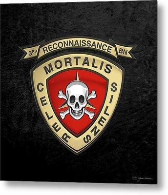 U S M C  3rd Reconnaissance Battalion -  3rd Recon Bn Insignia Over Black Velvet Metal Print