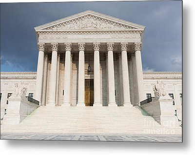 Us Supreme Court Building V Metal Print by Clarence Holmes