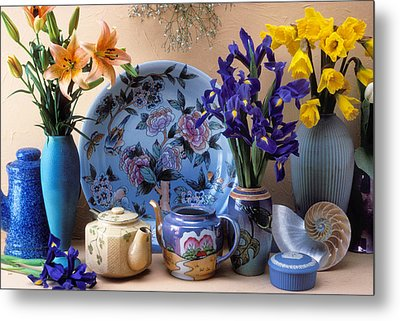 Vase And Plate Still Life Metal Print by Garry Gay