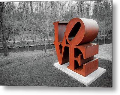 Vintage Love Sculpture - Crystal Bridges Museum Of Art Metal Print