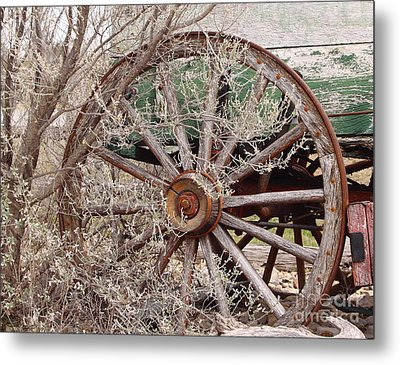 Wagon Wheel Metal Print by Robert Frederick
