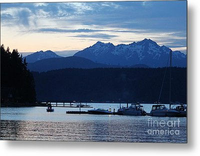 Waiting For Fireworks At Alderbrook Metal Print by Terri Thompson