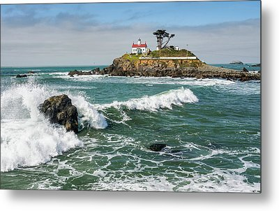 Wave Break And The Lighthouse Metal Print by Greg Nyquist