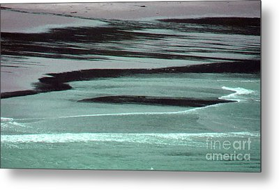 Waves On The Beach Metal Print by Methune Hively