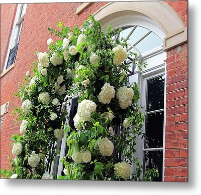 Wedding Flowers On Decatur House Metal Print