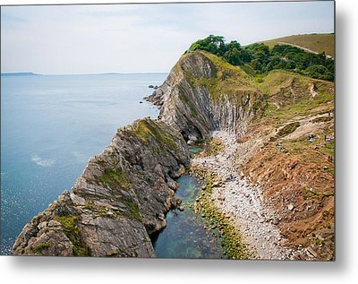 West Lulworth Lagoon The Natural Lagoon Behind The Jurassic Cliffs West Of Lulworth Cove Dorset Metal Print by Andy Smy