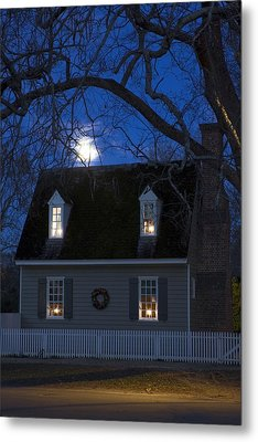 Williamsburg House In Moonlight Metal Print