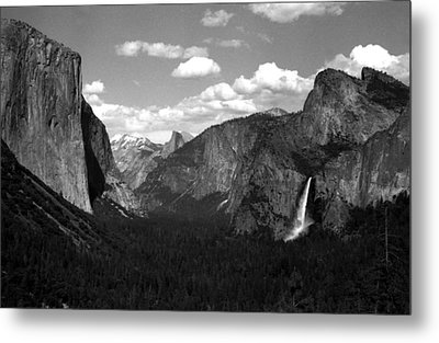 Yosemite National Park  Metal Print by Emanuel Tanjala