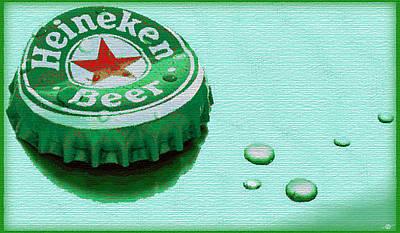 Beer Paintings - Heineken Cap Green by Tony Rubino