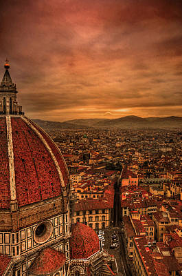 Building Exterior Photograph - Florence Duomo At Sunset by McDonald P. Mirabile