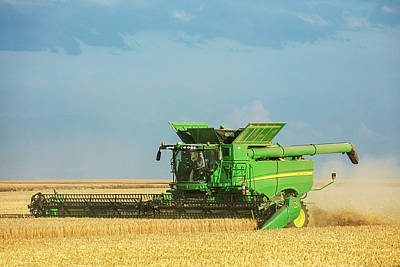 Combine Harvester Photograph - John Deere S690 by Todd Klassy