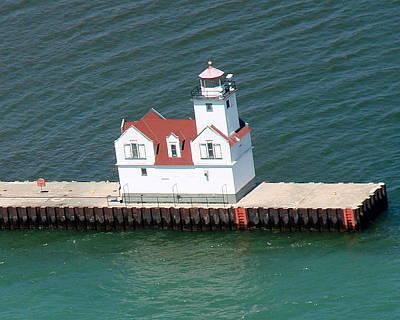 Photograph - K-005 Kewaunee Wisconsin Lighthouse by Bill Lang