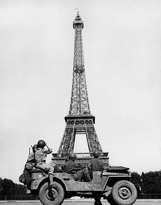 Photo Royalty Free Images - US Soldiers Viewing Eiffel Tower - Paris Liberation - 1944 Royalty-Free Image by War Is Hell Store