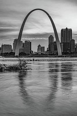 Abstract Shapes Janice Austin Royalty Free Images - Gateway Arch Sunset - Saint Louis Missouri Infrared Monochrome Royalty-Free Image by Gregory Ballos