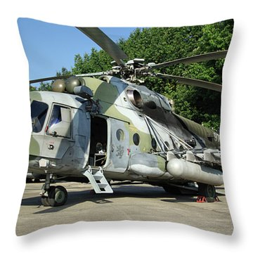 Mil Mi-17 Hip Throw Pillow