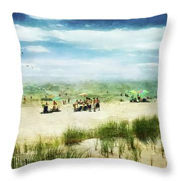 Throw Pillow featuring the photograph Hazy Days Of Summer by John Rivera