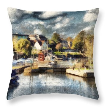 Riverview V Throw Pillow