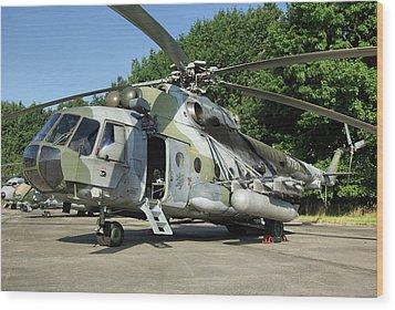 Mil Mi-17 Hip Wood Print by Tim Beach