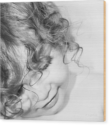 An Angels Smile - Black And White Wood Print by Kerri Ligatich