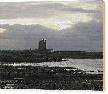 Castle At Easki Wood Print by Amy Williams