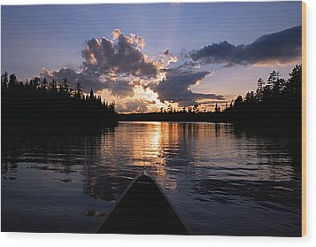 Evening Paddle On Spoon Lake Wood Print by Larry Ricker