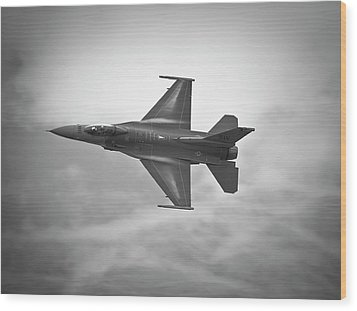 F-16 Fighting Falcon Wood Print