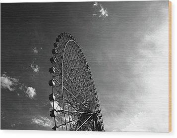 Ferris Wheel Against Sky Wood Print by Kiyoshi Noguchi