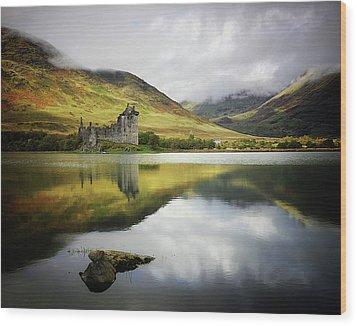 Kilchurn Castle Loch Awe Wood Print by Kennethbarker