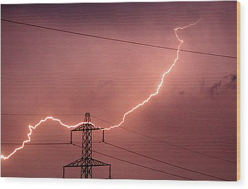 Lightning Hitting An Electricity Pylon Wood Print by Peter Lawson