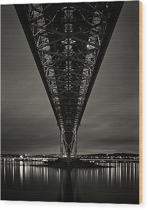Night View Of Forth Road Bridge Wood Print by Mark Voce Photography