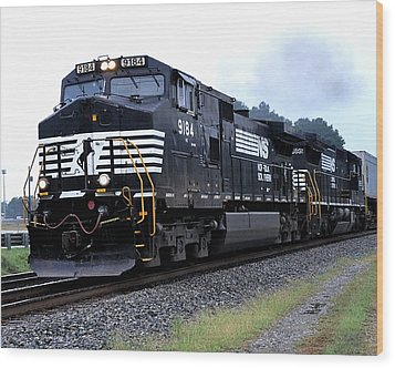 Norfolk Southern 9184 Through Stockbridge Georgia Wood Print
