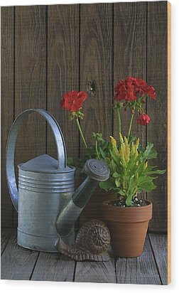 Wood Print featuring the photograph Summer Geraniums by Dodie Ulery