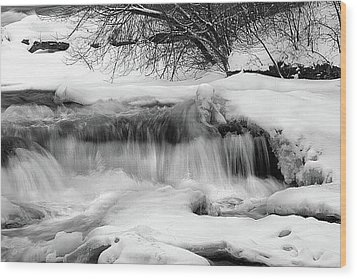 Wood Print featuring the photograph The Frigid Niagara by Timothy McIntyre