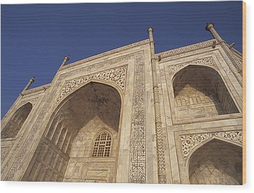 The Taj Mahals Pristine White Marble Wood Print by Jason Edwards