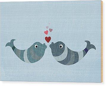Two Fish Kissing Wood Print by Jutta Kuss