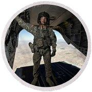 Ch-47 Chinook Crew Chief Stands Round Beach Towel