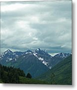 Green Pastures And Mountain Views Metal Print