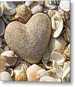 sea shell Heart Metal Print