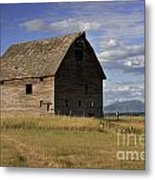 Old Big Sky Barn Metal Print