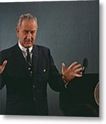 President Lyndon Johnson Speaks Metal Print by Everett