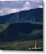 A Gas Drilling Rig At The Foot Metal Print by Joel Sartore