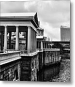 Fairmount Water Works In Black And White Metal Print